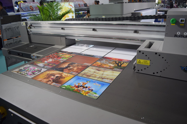 YOTTA-UV-flatbed-printer-at-DPES-Guangzhou-2018