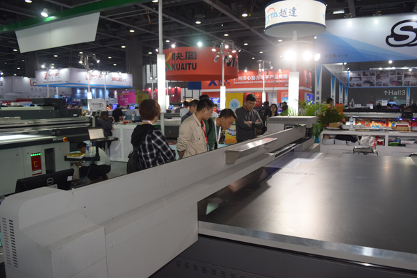 YOTTA-flatbed-printer-at-DPES-Guangzhou-29018